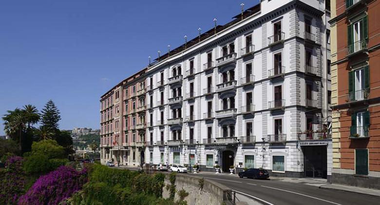 Corso Vittorio Emanuele à Naples