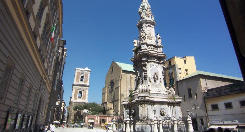 Piazza del Gesù Nuovo en Nápoles