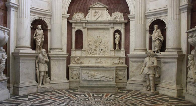 كنيسة سان جيوفاني كاربونارا في نابولي