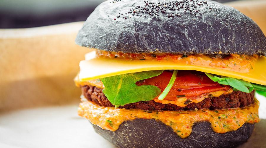 Овощной сэндвич с углем, лучший в Неаполе