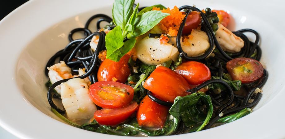 Plate of the La Catagna restaurant in Bacoli