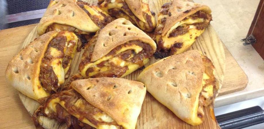 Stuffed pizzas of Rusticceria Cavour in Naples