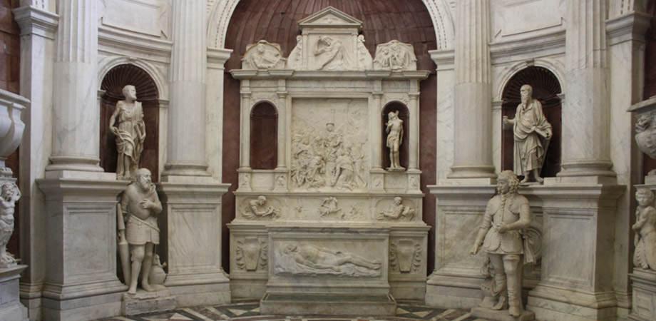 Kirche von San Giovanni a Carbonara in Neapel