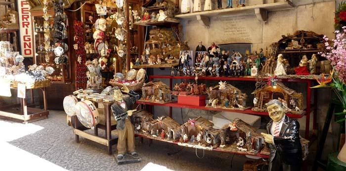la bottega dell'artigiano marco ferrigno a san gregorio armeno a napoli