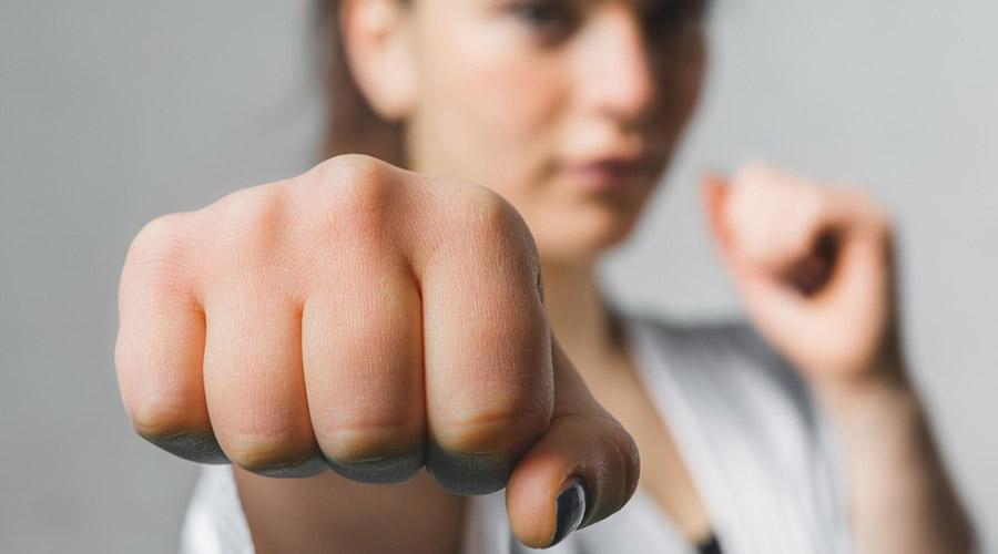 Corso di autodifesa per donne a Scampia