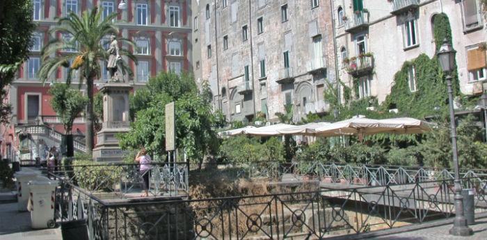 Napoli Piazza Bellini