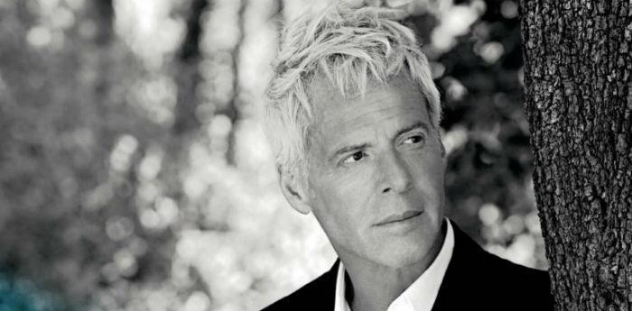 Claudio Baglioni presenta l'album ConVoi alla Fnac di Napoli