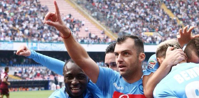 Napoli-Livorno con gol di Pandev