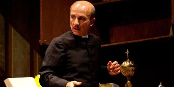 Spettacolo di Carlo Buccirosso al Teatro Cilea di Napoli