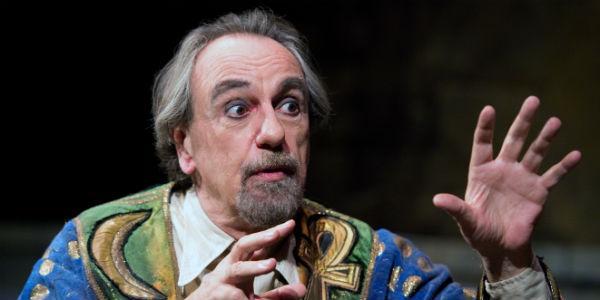 Spettacolo di Luca De Filippo La grande magia al Teatro Bellini di Napoli