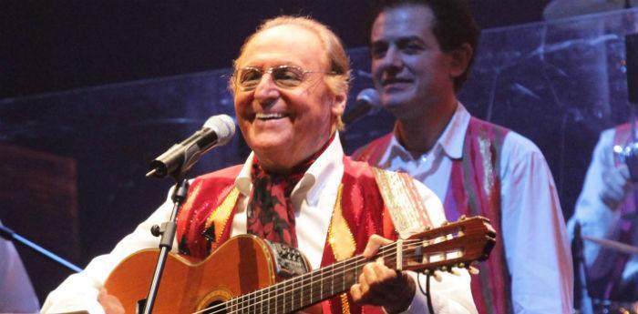 Renzo Arbore presenta il suo nuovo album alla Fnac di Napoli