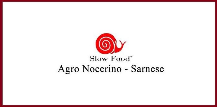 Logo di Slow Food, associazione che lavora nell'agro nocerino sarnese per lo sviluppo enogastronomico del territorio