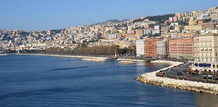 Sospesa la ZTL del mare presso il lungomare di Napoli