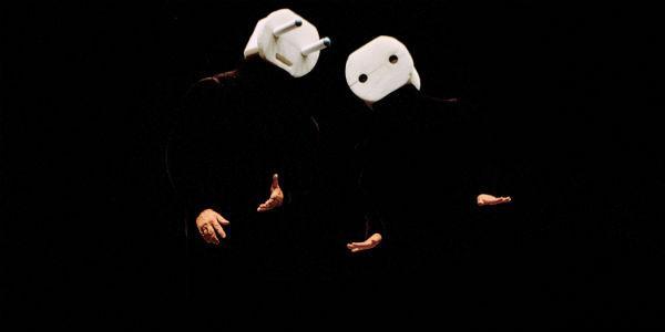 Personaggi dei Mummenschanz al Teatro Bellini di Napoli