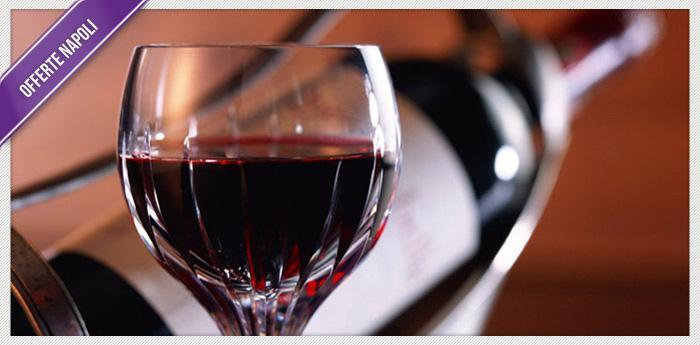 calice di vino con bottiglia