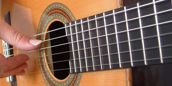 insegnante di chitarra per il corso di chitarra di Musicaeventi