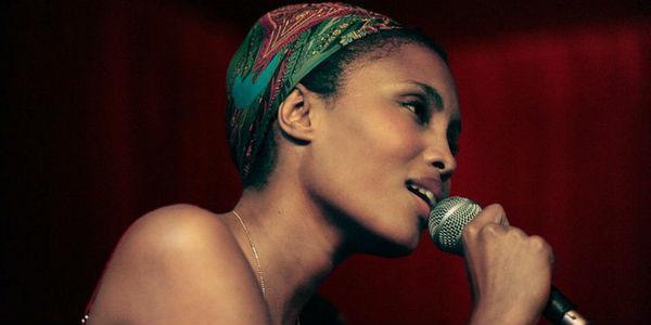 Esibizione della cantante francese Imany