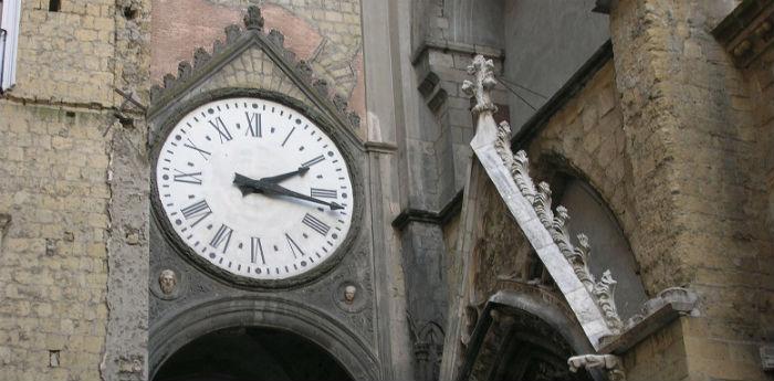 Orologio del Borgo Sant'Eligio a Napoli