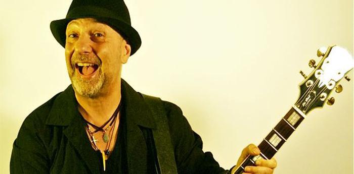 il jazzista romano Sergio Caputo