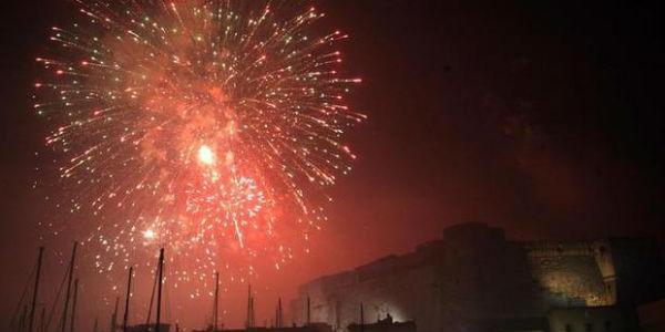 Capodanno a Napoli, fuochi a Castel dell'Ovo