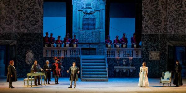 Scena dello spettacolo Il barbiere di Siviglia al Teatro San Carlo di Napoli
