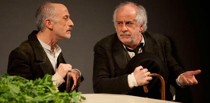 Toni e Peppe SErvillo nello spettacolo Le voci di dentro al teatro San Ferdinando