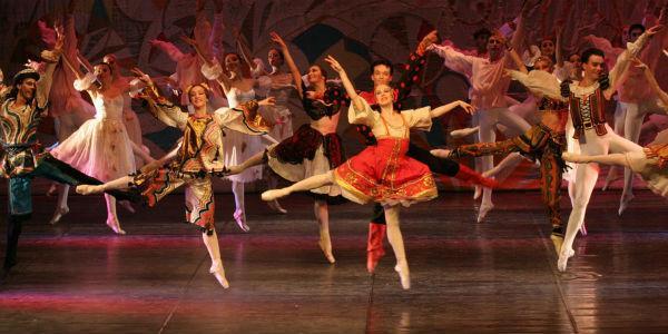 Balletto Lo Schiaccianoci al Teatro Bellini di Napoli