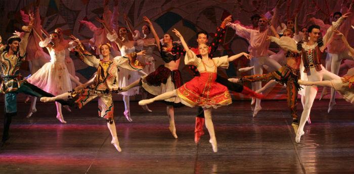 Balletto Lo Schiaccianoci in scena al Teatro Bellini di Napoli