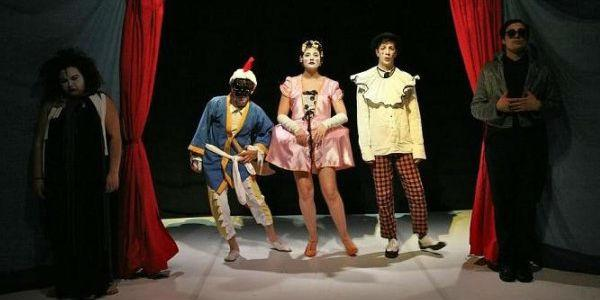Scena dello spettacolo Petito Blok al Piccolo Bellini di Napoli
