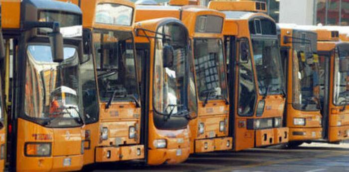 Autobus dell'Anm potenziati per le feste di Natale 2013 a Napoli