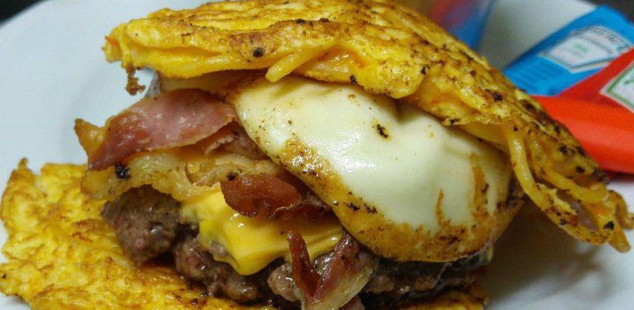 Mamma-Enza-con-due-frittate-a-26-hamburger-920x450