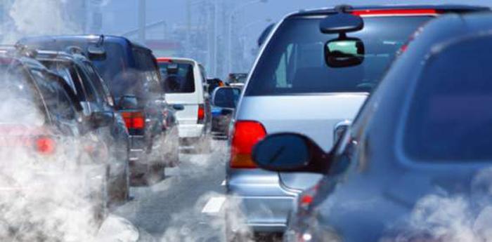 blocco delle auto per stop circolazione a napoli