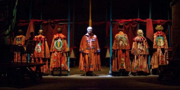 Scena dello spettacolo Circo Equestre Sgueglia di Raffaele Viviani al Teatro Stabile di Napoli
