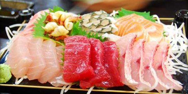 piatto di sushi del ristorante kukai di napoli