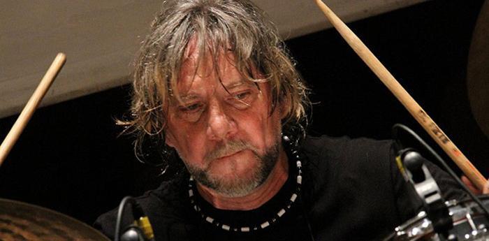 il percussionista napoletano tony esposito