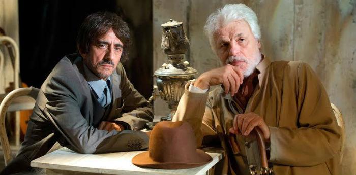 Michele Placido e Sergio Rubini in una scena dello spettacolo Zio Vanja al Teatro Bellini di Napoli