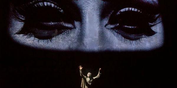 Scena dello spettacolo Antonio e Cleopatra in scena al Teatro Mercadante di Napoli
