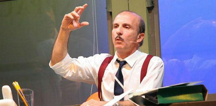 Carlo Buccirosso nel suo spettacolo la vita è una cosa meravigliosa al Teatro Diana di Napoli