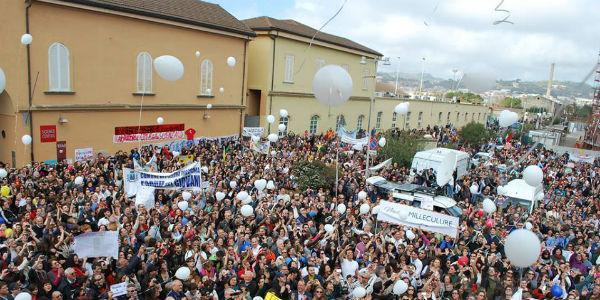 Foto del flashmob organizzato alla Città della Scienza nel 2013