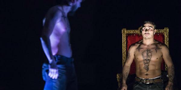 """Una scena dello spettacolo """"Educazione Siberiana"""" al Teatro Bellini"""