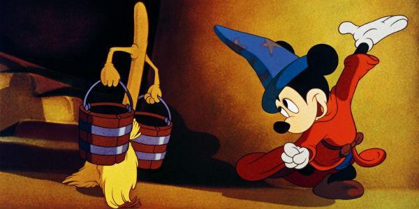 Scena del film Fantasia della Disney proiettate al Teatro San Carlo di Napoli
