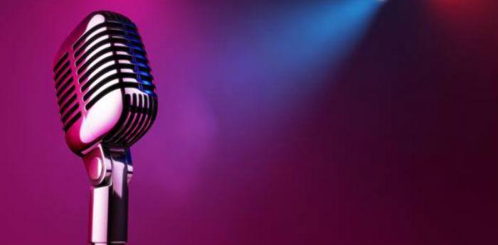 Locandina del contest musicale Fuori la Voce al locale Le Burlesque di Ercolano