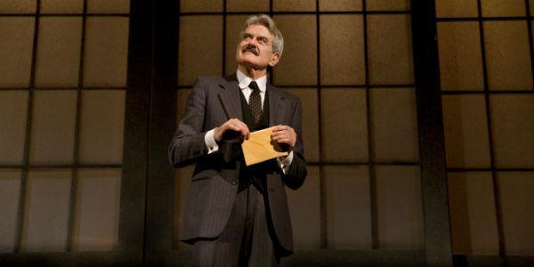Scena dello spettacolo La coscienza di Zeno al Teatro Mercadante di Napoli
