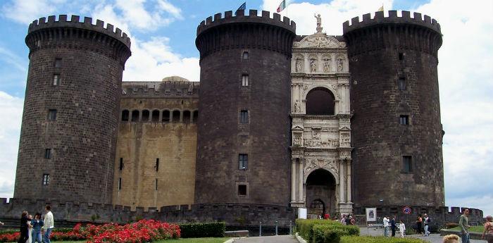 Maschio Angoino a Napoli per la Giornata Internazionale della Guida Turistica