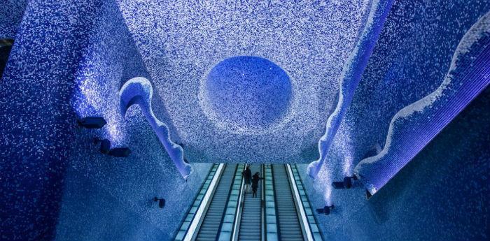 Fotografia della stazione della metropolitana Toledo a Napoli