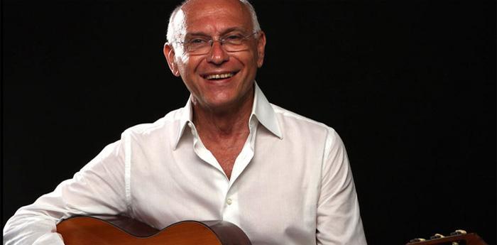 il cantante napoletano Mario Maglione