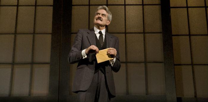 """Una scena dello spettacolo """"La coscienza di Zeno"""" al Teatro Stabile di Napoli"""