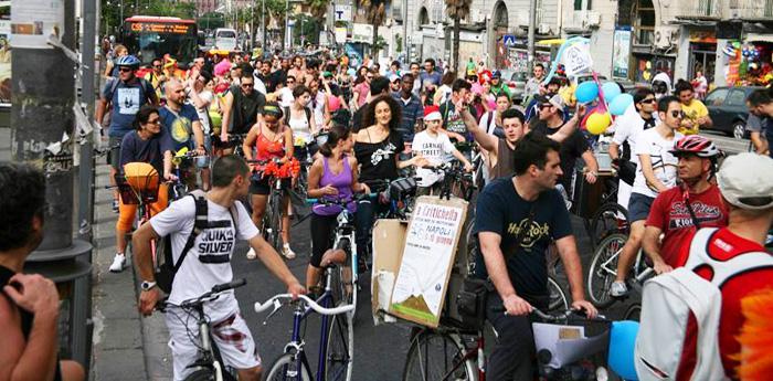 Ciclisti a Napoli per la Critichella
