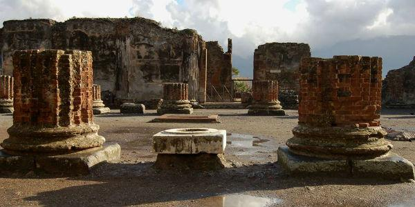 Gli scavi di Pompei, flashmob per salvare il sito archeologico
