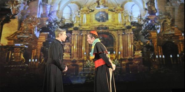 scena del musical su papa giovanni paolo II